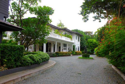 The Henry Hotel in Manila